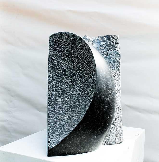 Clair Obscur - Sculpture sur pierre bleue